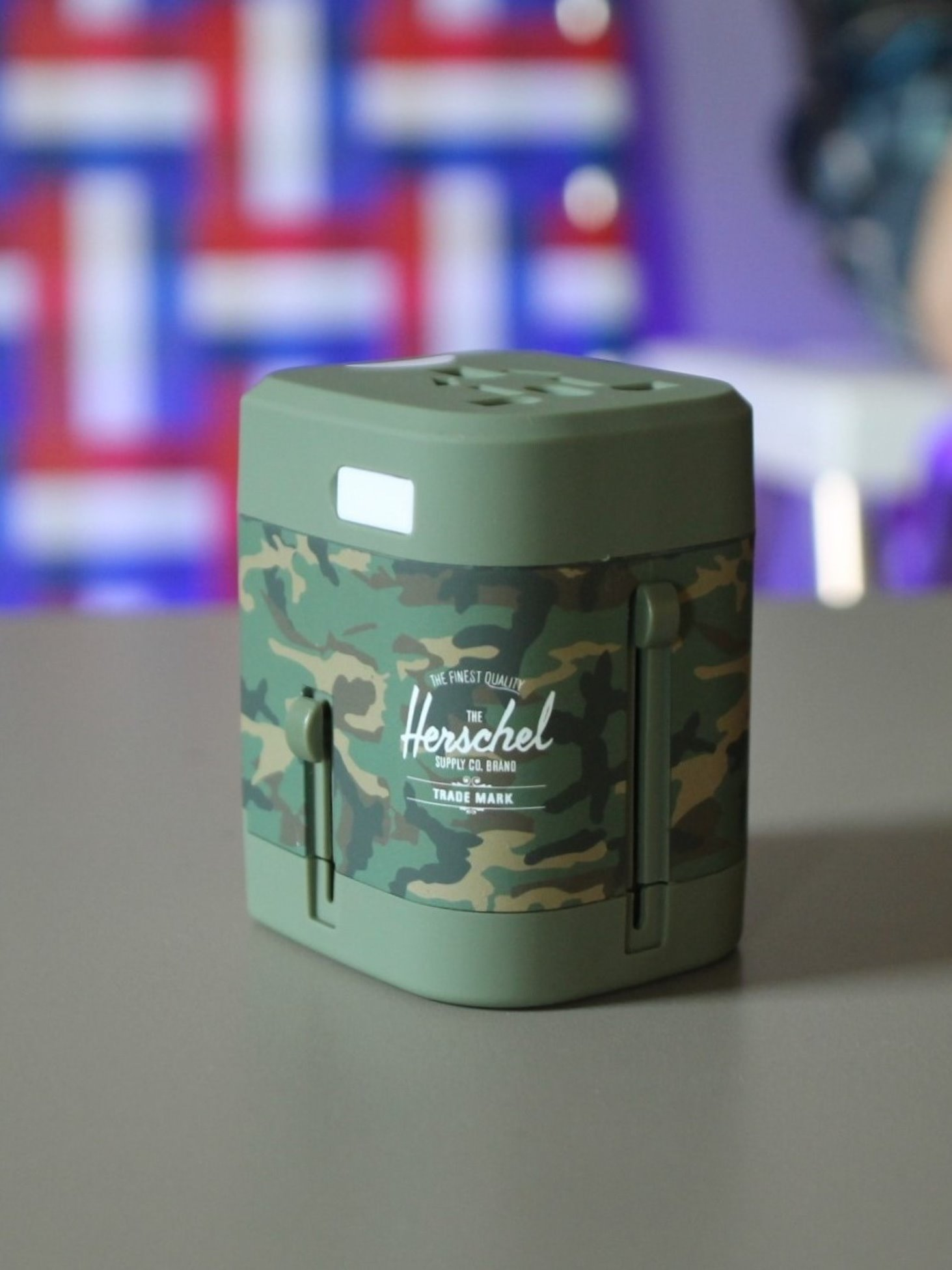 [HERSCHEL] Travel Adapter (Woodland Camo)